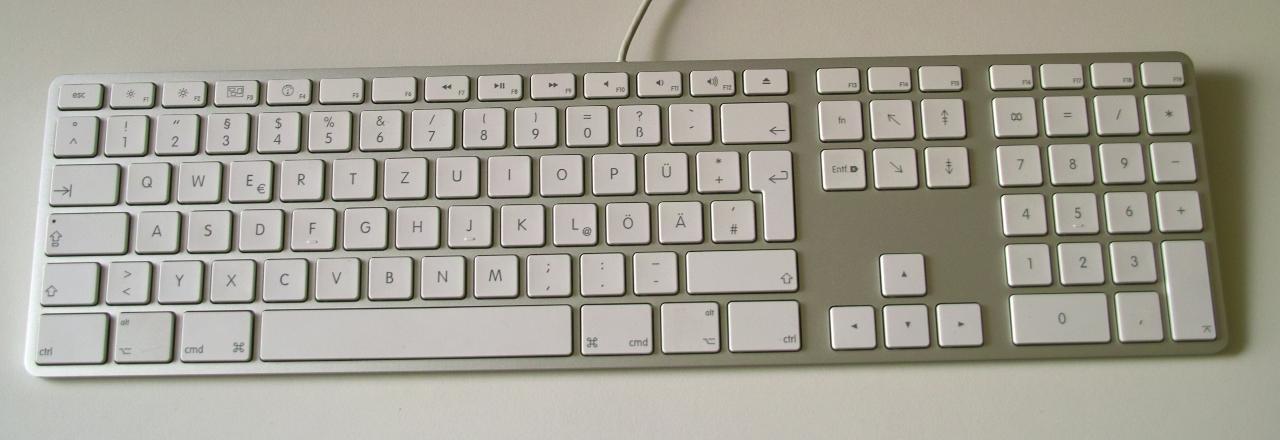 daumen hoch mit tastatur