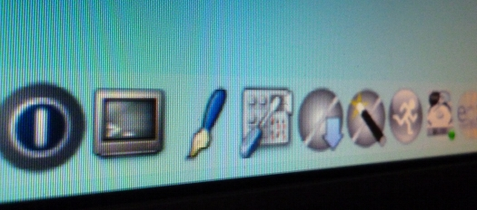 Bildschirm zeigt Panel von Tiny Core Linux