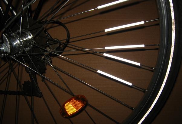 Alle Speichenreflektorarten an einem Rad