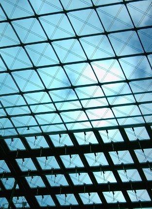 Bahnhofsdach aus Glas