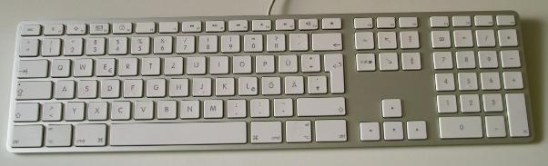 Aktuelle Apple-Tastatur in Aluminium mit weißen Tasten