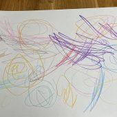 Nela, 1;10 Jahre: Das allererste Bild mit Urknäulen
